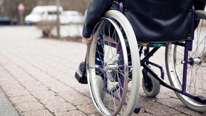 معلولان در هنگام وقوع زلزله چه عکس العملی باید داشته باشند؟