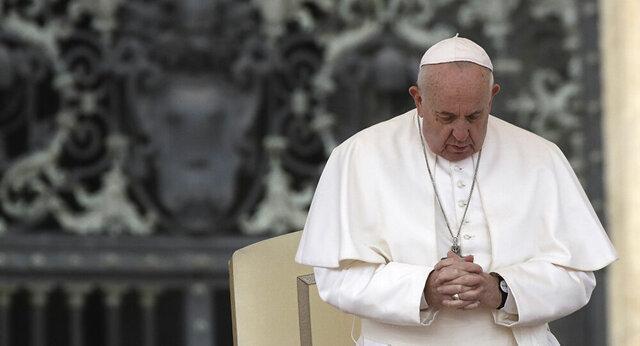 پاپ: تروریسم به دنبال بر هم زدن همکاری محبت آمیز بین مذاهب است